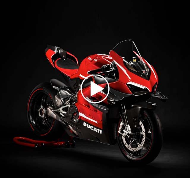 Unboxing Ducati Superleggera V4